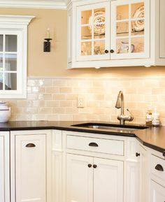 How to choose the right white paint. Use an ivory shade in a kitchen to stop it looking cold and clinical. | Handyman Magazine |