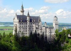 The castle of Herrenchiemsee was built by the Bavarian king Ludwig II (Innsbruck).