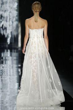 Die schönsten brautkleider 2016 YolanCris  Alle Fotos in dem Artikel über Brautkleider http://de.lady-vishenka.com/bridal-dress-2016-yolancris/