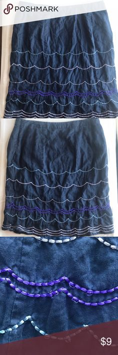 Boden Linen Skirt 14L Boden linen skirt in navy is fully lined. Features scalloped embroidery. In GUC, some of the embroidery is loose. The price reflects this issue.   Unless otherwise noted, items I'm selling have been worn and will show signs of typical wear. I will note any issues. All items ship promptly from my non-smoking, clean, cat-friendly home. Boden Skirts Pencil