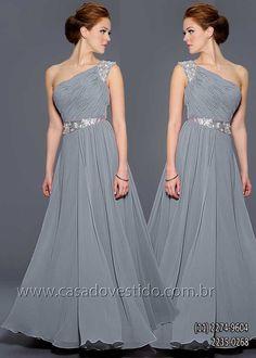 Vestido bodas de prata, mae do noivo, de um ombro só na cor prata, cinza com detalhes de brilho e pedraria na cintura e alça - CASA DO VESTIDO NOVO (11) 2274-9604