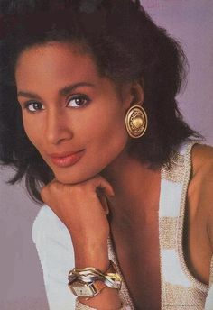 The Beauty of Retrospect, Special Supermodel Edition: Beverly Johnson, Casually. Beautiful Women Pictures, Beautiful Black Women, Black Sistas, African American Models, Beverly Johnson, Vintage Black Glamour, Victoria's Secret, Female Models, Women Models