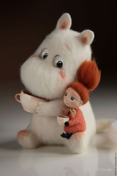 Stuffed Animals Crafts Felted Moomin Incredible stuffed animal by russian artist Needle Felted Animals, Felt Animals, Cute Baby Animals, Crochet Animals, Wet Felting, Needle Felting, Stuffed Animals, Stuffed Toys, Wonder Zoo