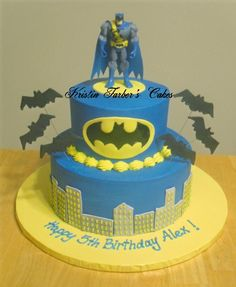 Batman Fondant Cake | Chocolate cake with buttercream icing. Fondant batman logo. Royal ...