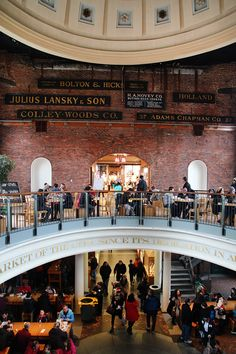 Quincy Market, Boston / One of 12 essential activities for a weekend in Boston! Find out more at A Globe Well Travelled
