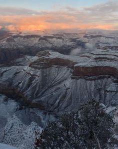 The Grand Canyon covered in snow. Grand Canyon Snow, Beautiful Scenery, Beautiful World, Mother Earth, Mother Nature, Maricopa Arizona, Parks And Recreation, Natural Wonders, Amazing Places