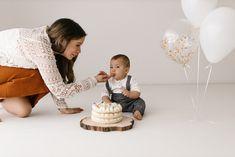 erster Geburtstag, Kuchen, Ballone, Shooting, Happy Birthday Place Cards, Happy Birthday, Place Card Holders, 1st Birthdays, Birhday Cake, Happy Brithday, Urari La Multi Ani