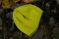 Ravelry: ouna's Easy Hat Шапка из комплекта. Простая. Можно в любом цвете.