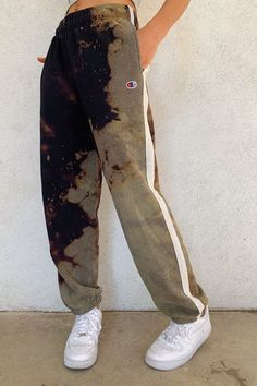 May 2020 - Dash Vintage Tie Dye Sweatpants – Rebelflow Cute Lazy Outfits, Retro Outfits, Casual Outfits, Cute Sweatpants, Sweatpants Outfit, Fashion Sweatpants, Brunch Outfit, Custom Clothes, Diy Clothes