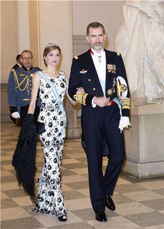 La+Reina+Letizia+derrocha+elegancia+en+el+75º+cumpleaños+de+Margarita+de+Dinamarca