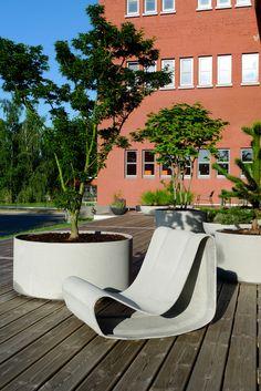 Guhl Chair von Swisspearl Eternit - der Klassiker im Retro Design neu bei Amadeo Ambiente.