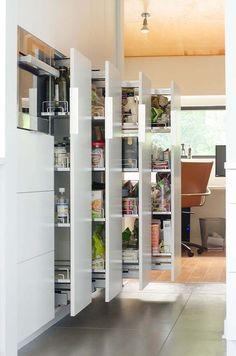 30 Brilliantly Organized Pantry Ideas To Maximize Your Storage #pantry #kitchen #shelves #storage #organization #closet #doors
