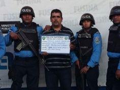VIDEO: Policía de Santa Bárbara occidente de Honduras también se apunta varios hits