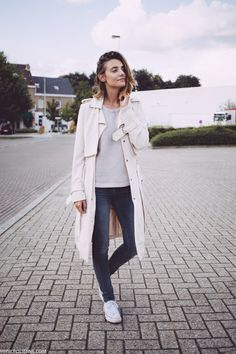 trench / knit / skinnies
