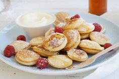 Little Dutch Pancakes Also known as poffertjes, these lovely little morsels are very addictive and lovely served piping hot with maple syrup, icing sugar and a beautiful vanilla ice-cream. Be careful though as one serve is never enough! Breakfast Waffles, Breakfast And Brunch, Breakfast Recipes, Breakfast Ideas, Dutch Recipes, Sweet Recipes, Cooking Recipes, Best Pancake Recipe, Toddler Meals