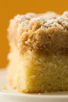 New York Crumb Cake Recipe~ I've visited New York and saw the Empire State Building years ago, but these Yankees can also cook some good stuff! Easy Cake Recipes, Sweet Recipes, Dessert Recipes, Bakery Recipes, Muffin Recipes, Just Desserts, Delicious Desserts, Yummy Food, New York Crumb Cake Recipe