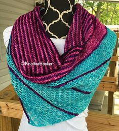 fast and easy asymetric tunisian crochet shawl, inspired by two lovely knitted shawls: Kaarisilta