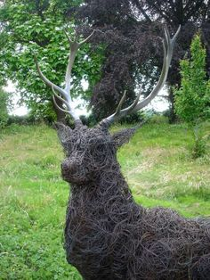 You Are The World, Chicken Wire, Steel Mesh, Wire Mesh, Amazing Gardens, Sculptures, Good Things, Statue, Metal Lattice