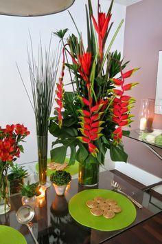 Blog da Andrea Rudge Tropical Flower Arrangements, Church Flower Arrangements, Beautiful Flower Arrangements, Flower Centerpieces, Flower Decorations, Beautiful Flowers, Table Decorations, Exotic Flowers, Tropical Flowers