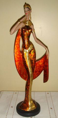 muñeca pintada Sculpture Art, Sculptures, Beautiful African Women, Cd Crafts, Human Art, Africans, Kwanzaa, African Art, Ceramic Art
