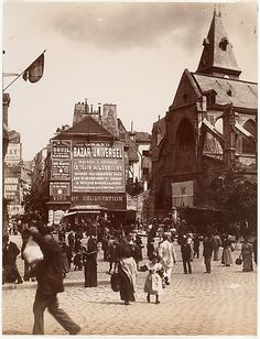 France. Rue Mouffetard, Paris, c.1900 // by Eugène Atget