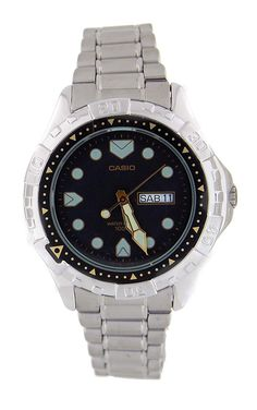 Casio Rare Vintage Sports 100M Metal Band Watch Model MD-523 * Details can be found by clicking on the image.