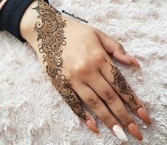 42 Trendy Henna Tattoo Design Ideas to Try,henna tattoo meaning,henna tattoo care,are henna tattoos permanent Henna Hand Designs, Mehndi Designs Finger, Pretty Henna Designs, Modern Henna Designs, Latest Henna Designs, Henna Tattoo Designs Simple, Modern Mehndi Designs, Mehndi Designs For Beginners, Mehndi Design Photos