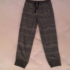Youth Large Dark Grey Jogger Pants Never Worn, Dark Grey With Light Grey Patterns On It, Cuffed At The Ankle Area From TJ Maxx (Size YL) Brooklyn Cloth Pants