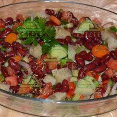 Salată de fasole roșie | Retete Pentru Tine Cobb Salad, Vegan, Food, Salads, Essen, Meals, Vegans, Yemek, Eten