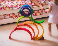 Nuestro arco iris Waldorf Montessori, Grimms Rainbow, Activities For Kids, Inspiration, Inspired, Wood, Baby, Bow Braid, Waldorf Education