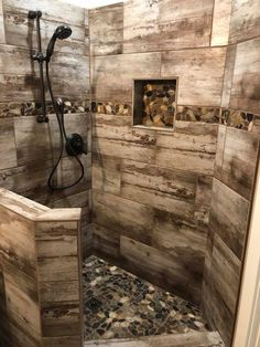 This beautiful rustic-modern shower combines our Brent .- Diese schöne rustikal-moderne Dusche kombiniert unsere Brentwood Cream Fliese m… This beautiful rustic-modern shower combines our Brentwood Cream tile with Bora Wilderness Pebbles. Rustic Master Bathroom, Rustic Bathroom Designs, Rustic Bathroom Decor, Bathroom Design Small, Rustic Decor, Bathroom Ideas, Bathroom Organization, Small Rustic Bathrooms, Rustic Style