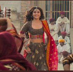 I'm my favorite — Flawless Alia Bhatt in song 'Rajvaadi Odhni' from. I'm my favorite — Flawless Alia Bhatt in song 'Rajvaadi Odhni' from. Garba Dress, Navratri Dress, Lehnga Dress, Garba Chaniya Choli, Choli Blouse Design, Choli Designs, Blouse Designs, Alia Bhatt Lehenga, Saree