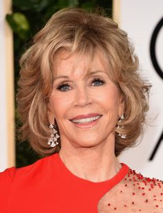 Jane Fonda Short Wavy Cut - Jane Fonda styled her short locks with a flurry of waves for the Golden Globes.