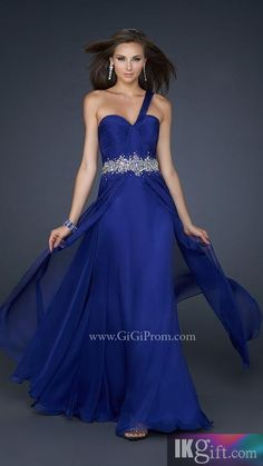 i so want this dress for prom....