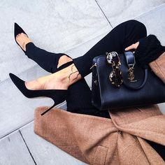 mademoisellefashionn:  Bonjour, nous sommes Katarina et Violeta. Nous adorons la mode.  YSL