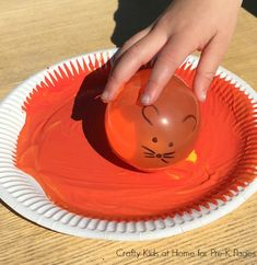 Mouse Paint: Water Balloon Painting - Pre-K Pages Mouse Paint Activities, Preschool Art Activities, Preschool Colors, Pre K Pages, Balloon Painting, Water Balloons, Eyfs, Story Time, Color Mixing