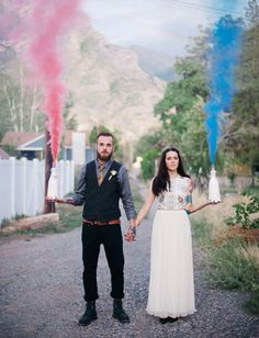 #smokebomb http://greenweddingshoes.com/portrait-session-in-a-treehouse-haley-alex/