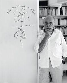 Oscar Niemeyer  en 2004. -   Matthieu Salvaing
