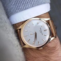 Vintage Watches Collection : Wrist perfection by with the Patek Philippe Calatrava - Watches Topia - Watches: Best Lists, Trends & the Latest Styles Elegant Watches, Stylish Watches, Luxury Watches For Men, Beautiful Watches, Cool Watches, Audemars Piguet, Gentleman Watch, Patek Philippe Calatrava, Swiss Army Watches