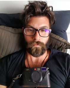 New Beard Style, Hair And Beard Styles, Long Hair Styles, Beard Look, Sexy Beard, Great Beards, Awesome Beards, Hairy Men, Bearded Men