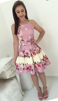Swans Style is the top online fashion store for women. Shop sexy club dresses, jeans, shoes, bodysuits, skirts and more. Dress Outfits, Fashion Dresses, Cute Outfits, Trend Fashion, Girl Fashion, Fall Floral Dress, African Dresses For Kids, Short Dresses, Girls Dresses
