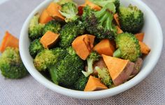 Oven fried Broccoli n sweet potatoes Need: fresh broccoli Cut up, toss with oil, pan, sprinkle with salt and garlic and bake at ~450 for 12-15 min. Will try.