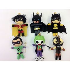 Ultimate Batman Collection of 6 x String Doll Keychain Robin, Batman,... ($18) ❤ liked on Polyvore featuring batman and accessories