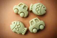 Crunchy Betty: How to Make Lotion Bars – The Perfect Gift (Even If It's For Yourself!) - So cute. She even made them in shapes for little boys. Definitely need to do this!!