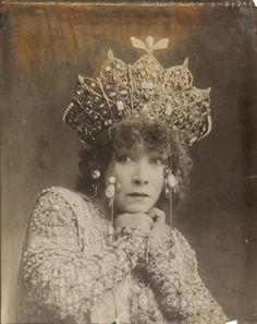 Sarah Bernhardt dans le rôle de «Théodora», pièce de Victorien Sardou, Théâtre…