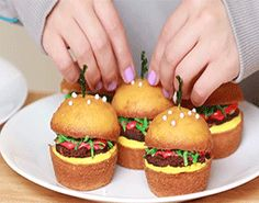 How To Make Cheeseburger Cupcakes Tutorial