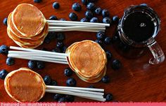 Learn how to make Pancake Pops. The perfect breakfast party food for Father's Day, a PJ and Pancakes Birthday Party or even a Fourth of July brunch! Breakfast Party Foods, Father's Day Breakfast, Perfect Breakfast, Breakfast Recipes, Birthday Breakfast, Birthday Pancakes, Breakfast Pancakes, Breakfast Buffet, Free Breakfast