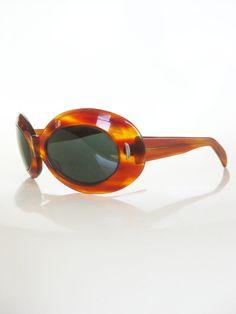 1960s sunglasses http://1960sfashionstyle.com/vintage-sunglasses/