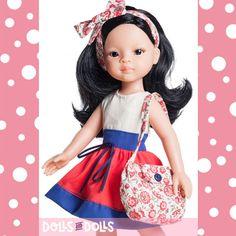 ¿Te gustan las muñecas asiáticas? Te presentamos las muñecas que tiene la marca #PaolaReina con rasgos asiáticos, color de ojos y pelo negro, a quienes con su belleza y estilo les queda espectacular la ropita que llevan.  Son muñecas que transmiten dulzura.  #Dolls #Bonecas #Poupées #Bambole #muñecas #LasAmigas #LasReinas #colección #SoyTu #DollsMadeInSpain