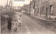 Brothers and sister, Etaples, route de Boulogne, France